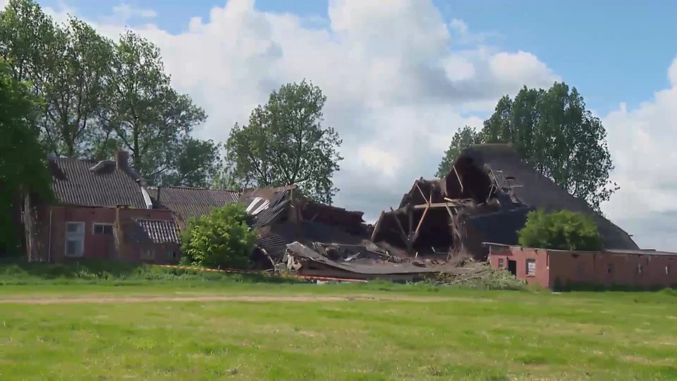 Why the Dutch are ditching gas extraction – Channel 4 News_snapshot_00.46.jpg